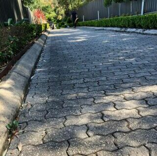 before cleaning crinkle pavers